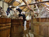 上記のまるや八丁味噌さんの工場の写真になります。